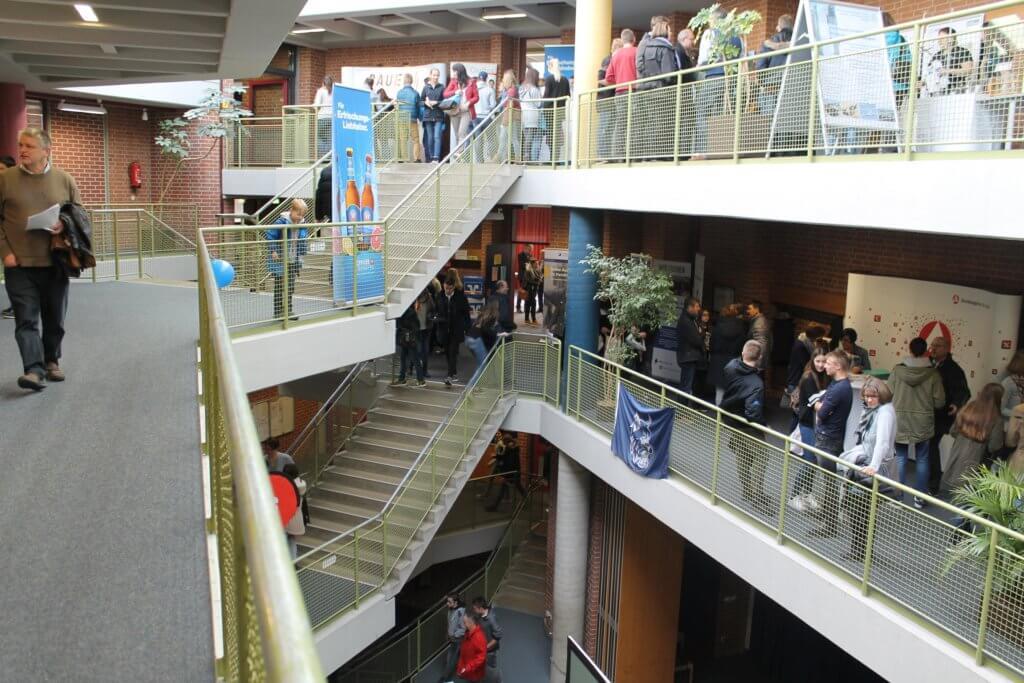 Die Realschule Taufkirchen beim Berufsinformationstag.