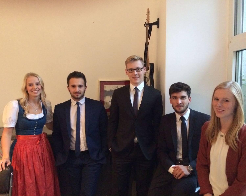 Die erste Generation der next-Botschafter: Kathi, Mirsad, Felix, Jannik und Rika.